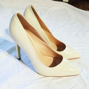 White patent stiletto pumps sz. 8